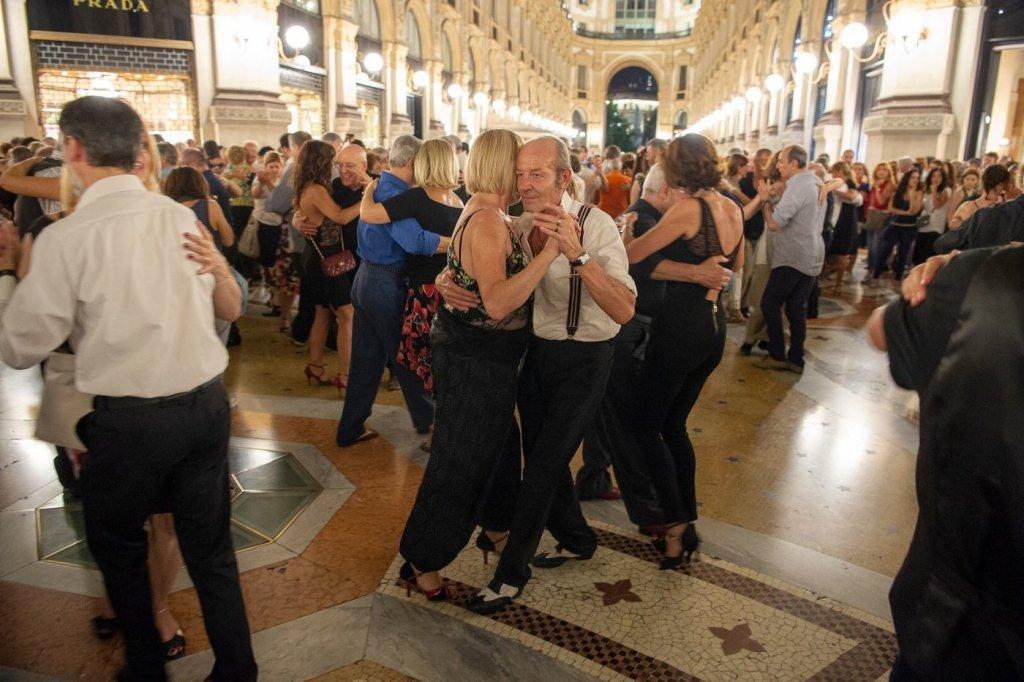 milano tango galleria roberto bolle