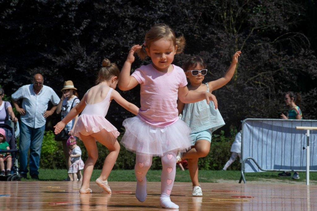 danza bimbi parco